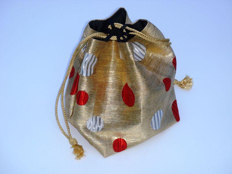 Silk purse gold red dots